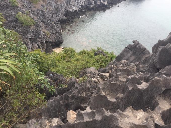 Ha Long Bay island mountain